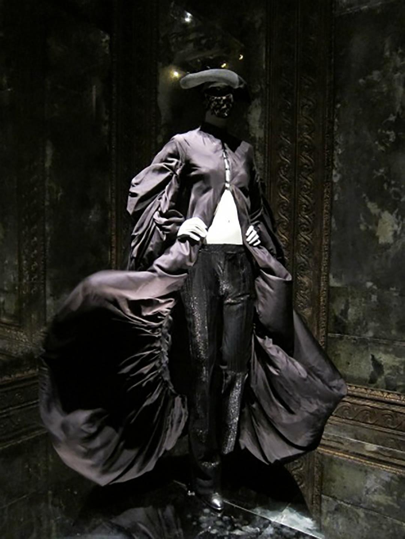 alexander-mcqueen-savage-beauty-met-museum-nyc.jpg